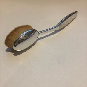 Artis Elite Mirror Oval 7 Brush